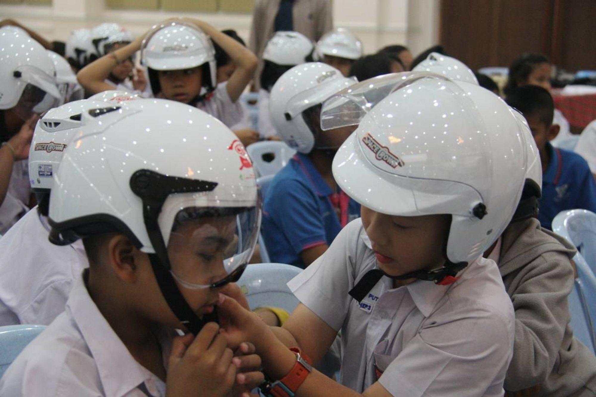 เด็กไทยปลอดภัยสวมใส่หมวกกันน๊อค